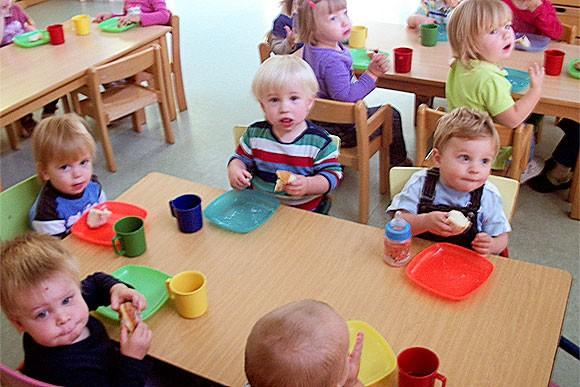 Kinderüberraschung mit Pfannkuchen