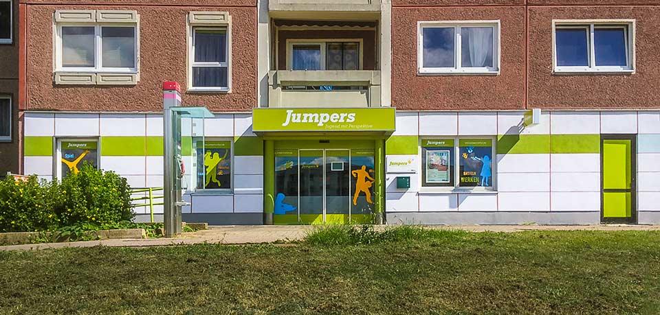 Außenwerbung für Jugenzentrum in Erfurt