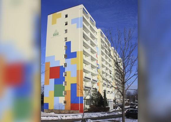 Umsetzung des Agenturentwurfs für die Hochhausfassade